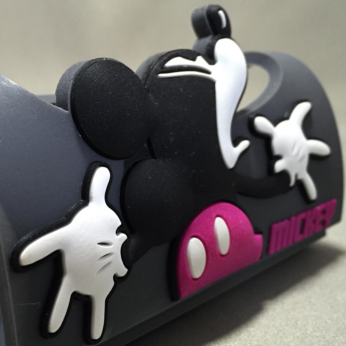 Mickey Mobile Rubber Stand - Mickey mouse close up