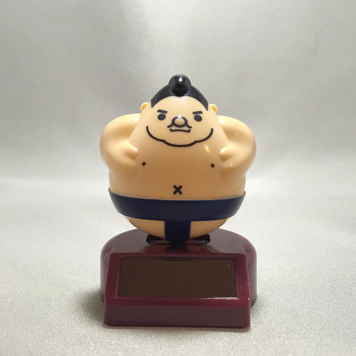 Solar Powered Swinging Sumo Wrestler - front