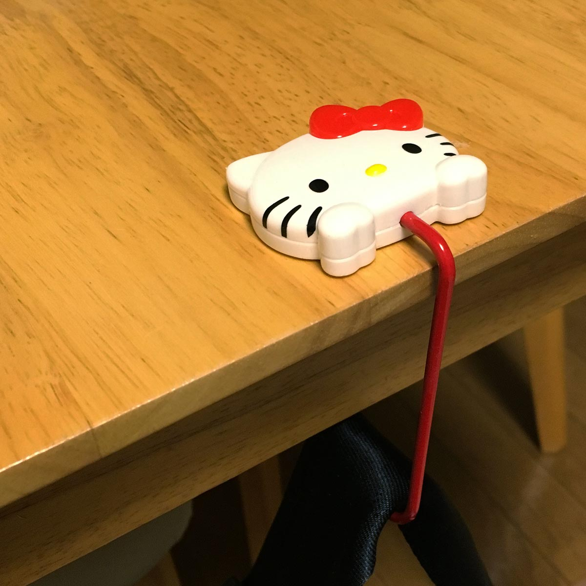 Hello Kitty Table Hook - hook on table