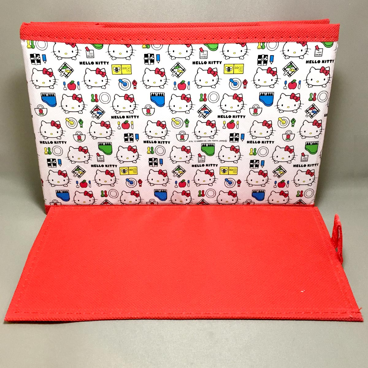Hello Kitty Foldable Box - side view and base